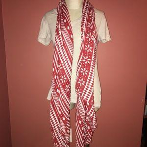 Accessories - NWT Pretty Red & Cream Scarf